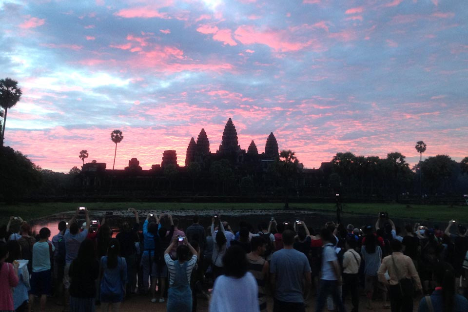 Option 2: Angkor Wat Sunrise & Ancient City Discovery